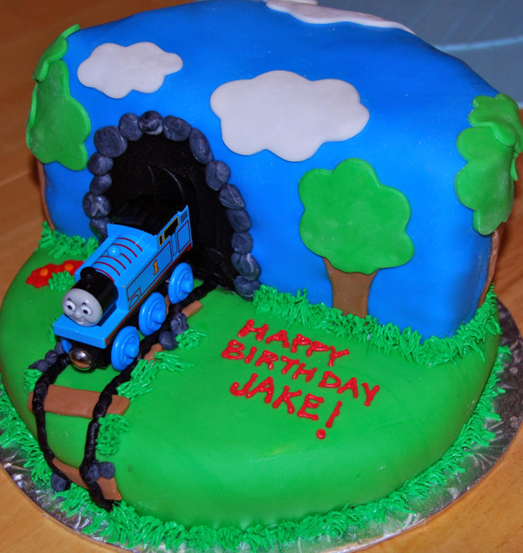 A birthday cake for a Thomas fan — Kids in the Capital